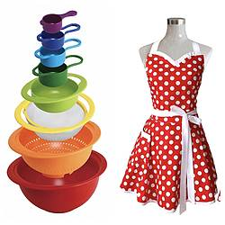 Thebonafidebroad: Sweetheart Retro Polka Dot Apron and a Set of 8 Nesting Bowls Giveaway