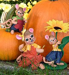 Annalee Dolls Fall Giveaway